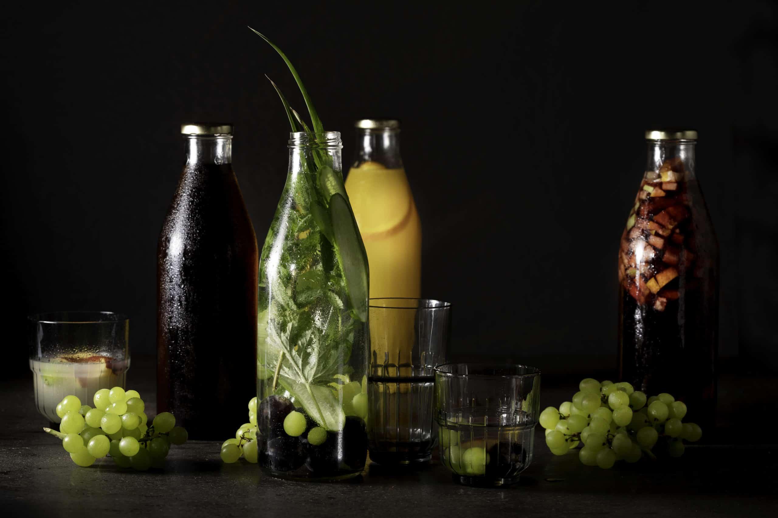 קנקני שתייה קלה וקוקטיילים